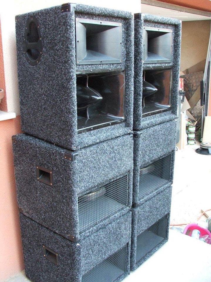 Cubo Speakers