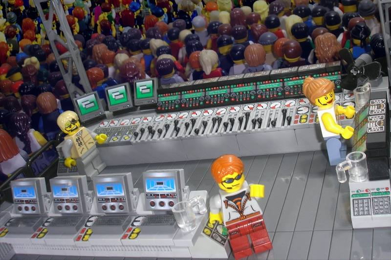 lego-foh-mix-position
